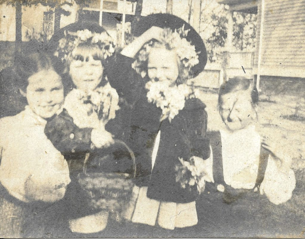 Photo of Helen and Frances Prices as children with friends